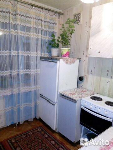 1 rum och kök, 30 m2, 4/5 golvet.