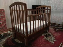 Детская кроватка с маятником — Мебель и интерьер в Омске
